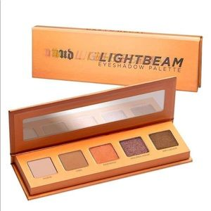 Urban Decay Light Beam Eyeshadow Pallet